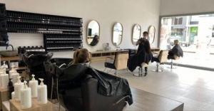 Position available: Qualified Hairdresser / Colourist, Richmond VIC
